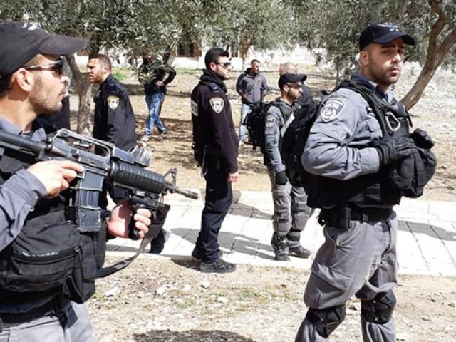İsrail polisi Mescid-i Aksanın imamlarına saldırdı
