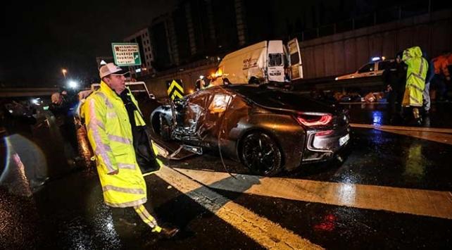 Beşiktaşta zincirleme trafik kazası: 1 yaralı
