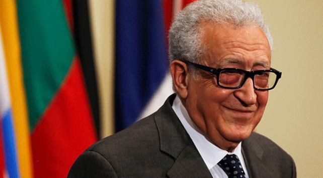 Eski diplomat Lahdar İbrahimiye Cezayirde yeni görev
