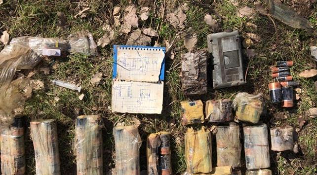 PKKlı teröristlerin el yapımı patlayıcı şeması bulundu