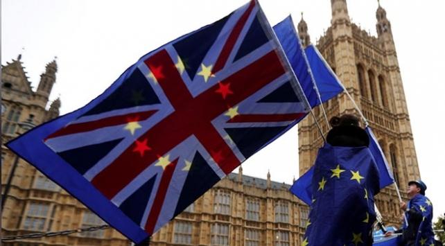 "İngiliz Parlamentosu ""anlaşmasız ayrılığı"" reddetti"