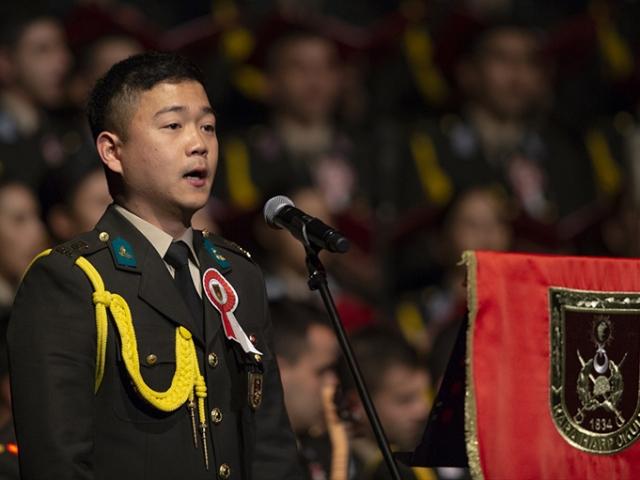 Güney Koreli askeri öğrenciden Çanakkale Türküsü