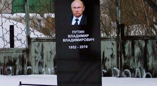 Putine sahte mezar yapan Rus aktiviste hapis cezası