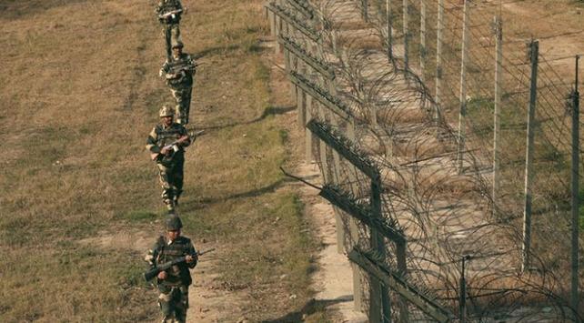 Hindistan ile Pakistandan vizesiz sınır kapısı hamlesi