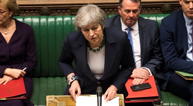 Theresa May vazgeçmiyor: Teklifi bir kez daha oylamaya sunacak