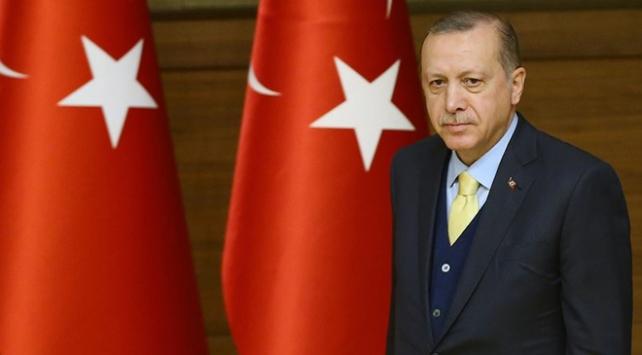 Cumhurbaşkanı Erdoğan: Sağlık çalışanlarının şartlarını zirveye çıkarmak için çalışıyoruz