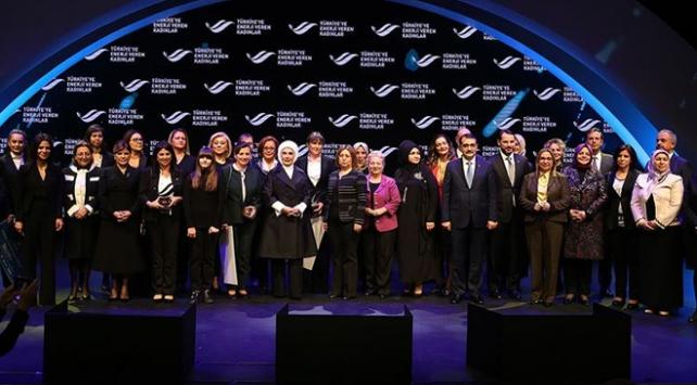 Türkiyeye Enerji Veren Kadınlar ödüllendirildi