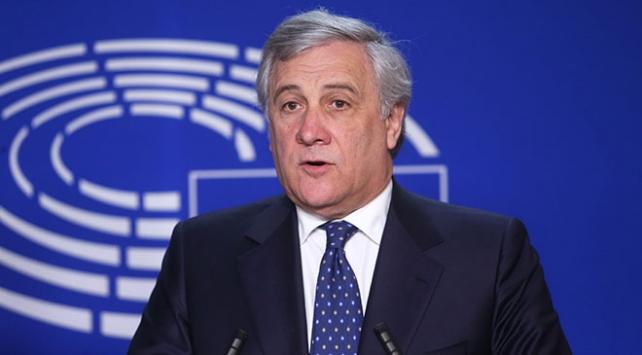 """AP Başkanı Tajaniye """"Mussolini övgüsü"""" için eleştiri"""