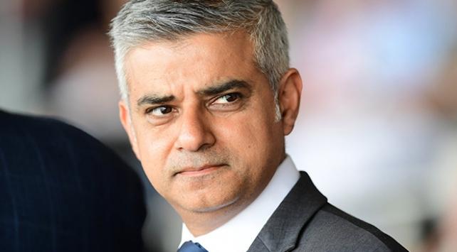 Londradaki camilerde güvenlik önlemleri artırılıyor