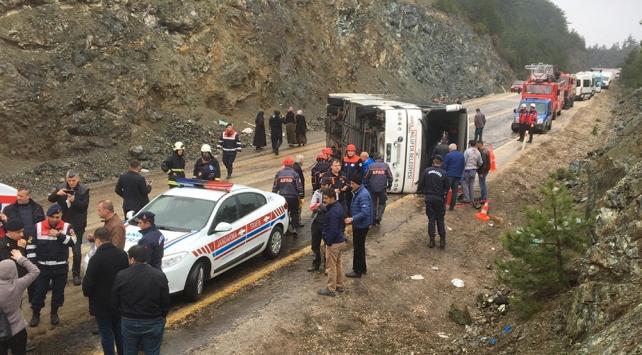 Bursada otobüs şarampole devrildi: 34 yaralı