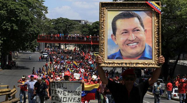 Venezuelada herkesin hedefi devlet başkanlığı sarayı Miraflores