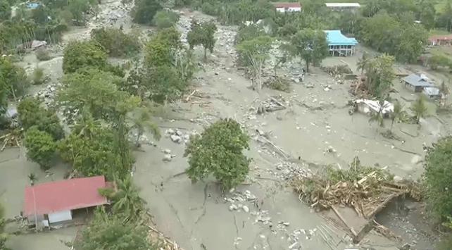 Endonezyada sel: 70 ölü