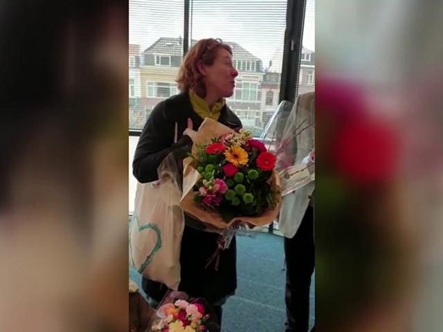 Hollanda'da Yeni Zelandalı kadın camiye giderek özür diledi