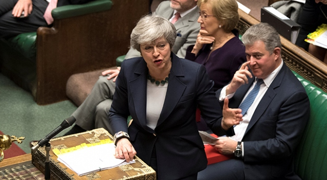 Theresa May iki kez reddedilen anlaşmasını yeniden oylatacak