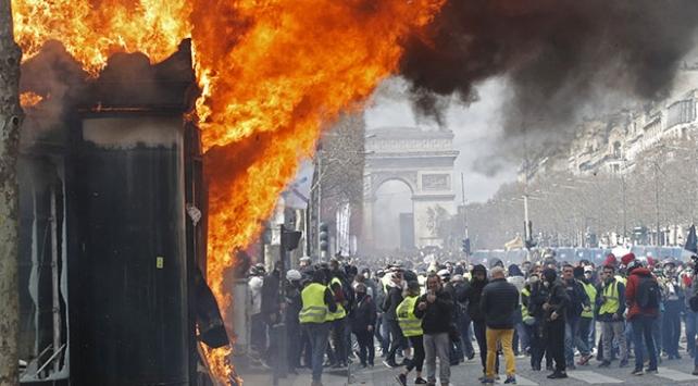 """Fransada """"Sarı Yelekliler""""in gösterilerine yasak geliyor"""
