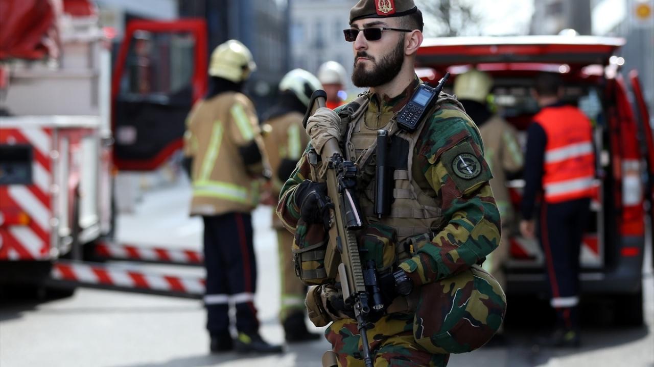 Brükselde bomba alarmı