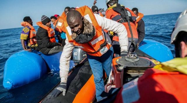 İtalyada yeni düzensiz göçmen krizi