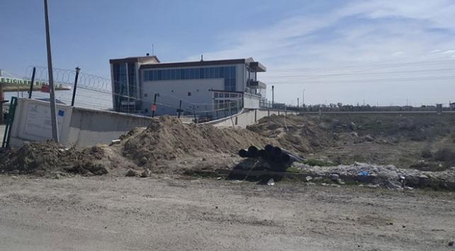 Konyada istinat duvarı çöktü: 4 yaralı