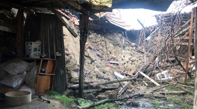 Denizlideki depremde 139 binada ağır hasar meydana geldi
