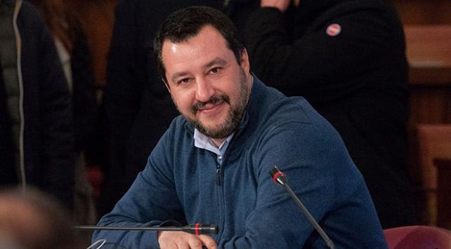 İtalyada Salvininin yargılanmasını Senato önledi
