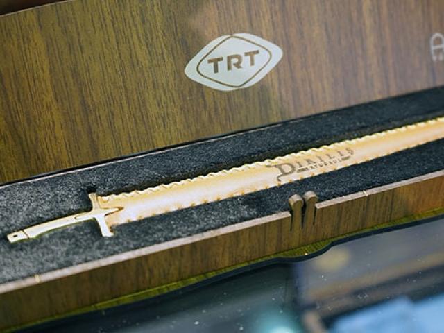 TRT'nin tarihi dizilerindeki takılara yoğun ilgi