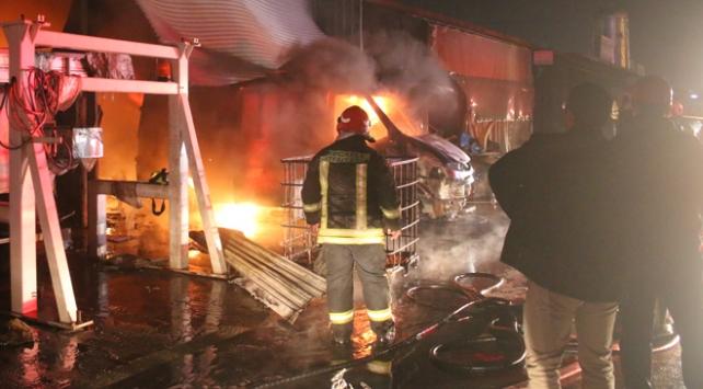 Kocaelide sanayi sitesinde yangın