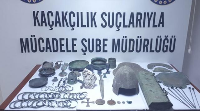 Tarihi mezardaki hırsızlığın zanlıları Ankarada yakalandı