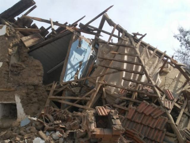 Denizli'deki depremin şiddeti kameralara böyle yansıdı