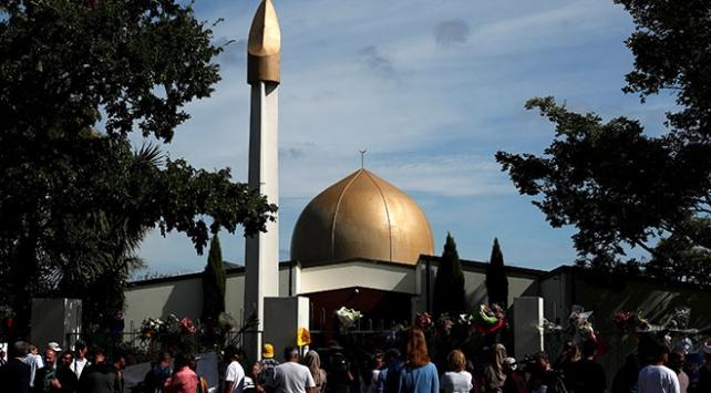 Yeni Zelandada terör saldırısına uğrayan camiler ziyarete açıldı