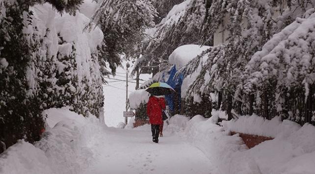 Meteorolojiden ilkbaharda bazı kentlere kar sürprizi
