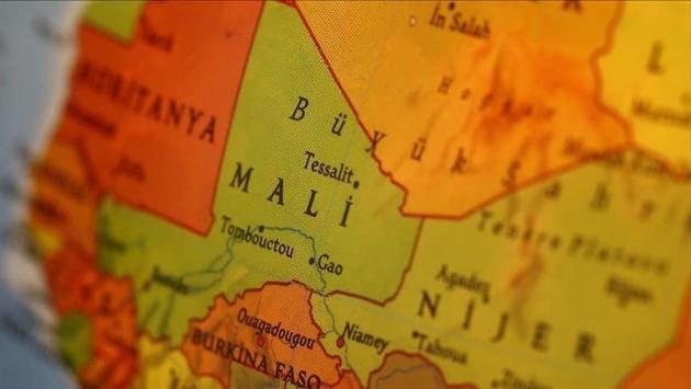 Malide silahlı grup köye saldırdı: 115 ölü