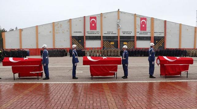 Kazada yaşamını yitiren komandolar için tören düzenlendi