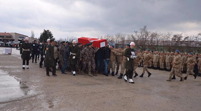 Şırnakta şehit asker için tören