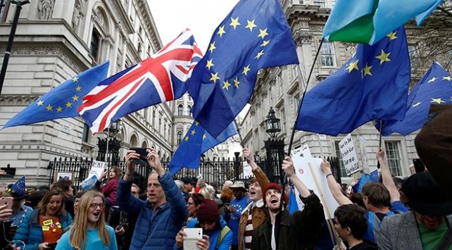 Brexit için iptal çağrısı sesleri yükseliyor