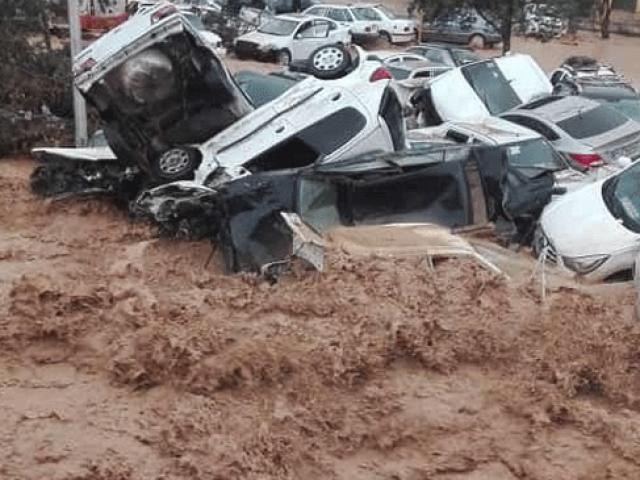 İran'da aşırı yağışın neden olduğu sel 11 can aldı