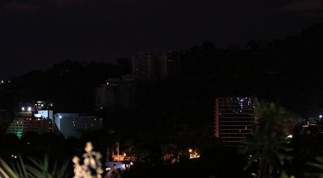 Venezuelada yeniden elektrik kesildi