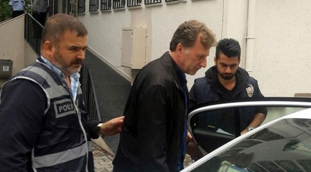 Eski futbolcu İsmail Demirize FETÖ üyeliğinden hapis cezası