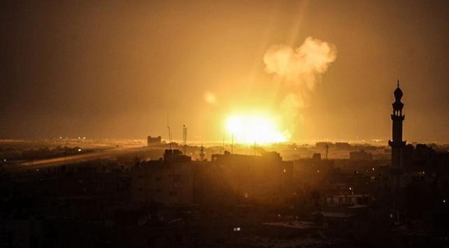 İsrail, Gazzede Hamasa ait bir mevziyi bombaladı