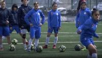 Türkiye'de tabuları yıkan kadın futbol takımı: Hakkarigücü