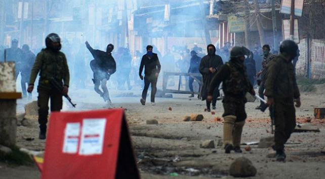 Cammu Keşmirdeki çatışmada 2 direnişçi öldü