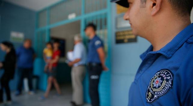 Seçim günü 553 bin personel görev yapacak