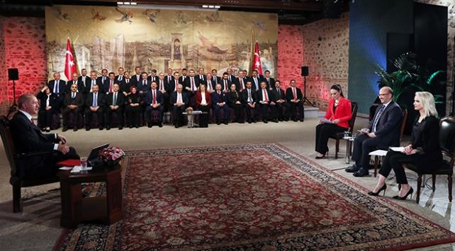 Erdoğandan seçmene çağrı: Sandığa gel, gelmeyeni de al gel