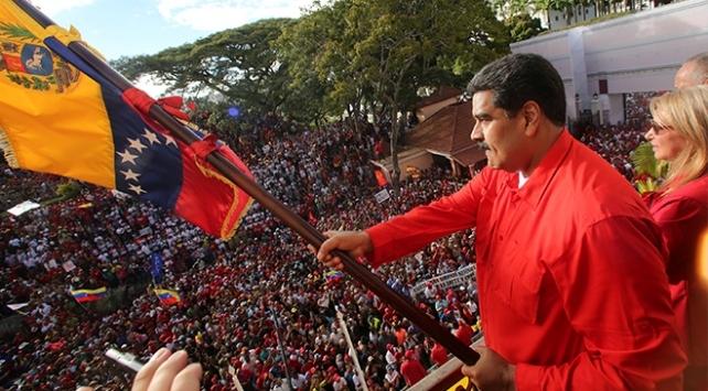 Venezuelada bugün Maduro destekçileri de yürüyecek