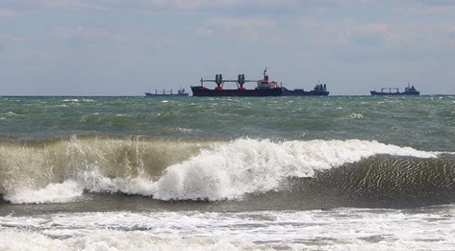 Deniz ulaşımı poyraz nedeniyle aksadı