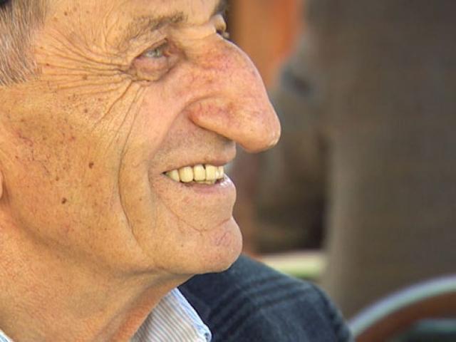 Dünyanın en uzun burunlu adamı Artvinli Mehmet Özyürek