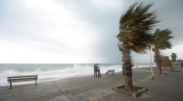 Meteorolojiden Marmara ve Kuzey Ege için fırtına uyarısı