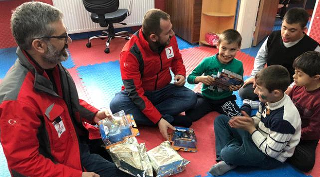 Türk Kızılayı Kiliste otizmli çocukların yüzünü güldürdü