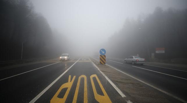 Bolu Dağında sis sürücülere zor anlar yaşattı