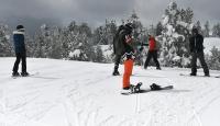 Kars'ta ilkbaharda kayak keyfi