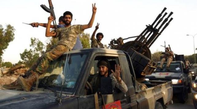 Libyada Hafter güçleri Trablusa saldırı başlattı